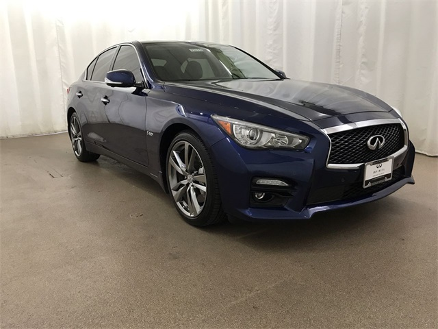 Pre-Owned 2016 INFINITI Q50 Red Sport 400