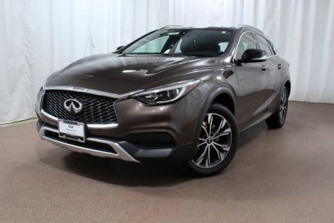 Pre-Owned 2017 INFINITI QX30 Luxury AWD AWD